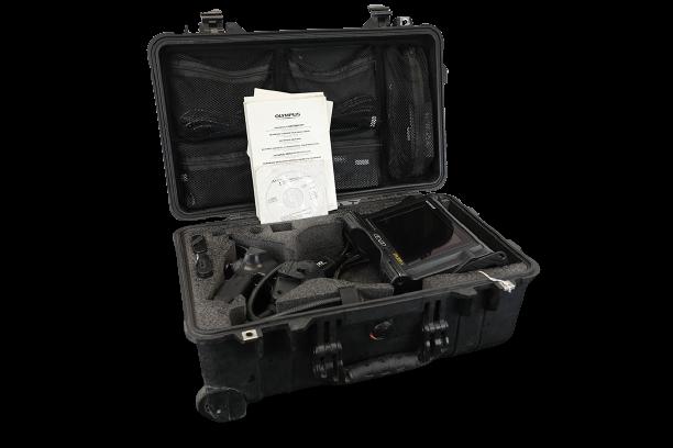 Videoscope nội soi công nghiệp là thiết bị nhỏ gọn bao gồm một loạt các tính năng bao gồm màn hình lớn có thể xem hình ảnh dưới ánh sáng ban ngày và bộ điều hợp đầu nhọn có thể hoán đổi cho nhau. IPLEX LX cũng có một loạt các chức năng tiên tiến bao gồm xử lý hình ảnh rộng hơn WiDER, công nghệ thông minh SmartTip và đo lường âm thanh nổi chất lượng Một số miêu tả về videoscope nội soi công nghiệp Olympus IPLEX LX 8mm / 3.5m: Pin Li-ion có thể tháo rời lâu dài giúp IPLEX LX và LT luôn hoạt động ổn định, do đó bạn không bao giờ phải lo lắng về việc sạc đầy khi đang làm việc.IPLEX cũng hoạt động qua nguồn AC. Do kích thước nhỏ gọn của nó, Olympus Iplex có thể được đeo hoặc đặt để đứng thẳng cũng như được gắn chặt vào cánh tay hoặc giá ba chân, nghĩa là bạn có thể đặt thiết bị ở bất cứ đâu. Thao tác không thể dễ dàng hơn với các menu trực quan dựa trên biểu tượng và các điều khiển truy cập nhanh đơn giản, làm cho IPLEX dễ sử dụng bởi các nhà khai thác ở mọi cấp độ kinh nghiệm.